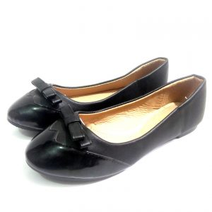 Black leather nice shoe for ladies
