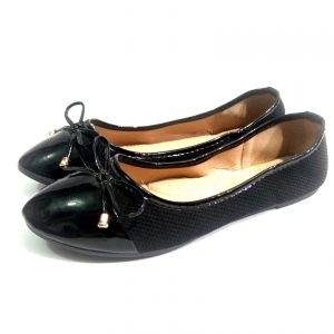 Black leather Down (Flat) Low Top Shoe for ladies